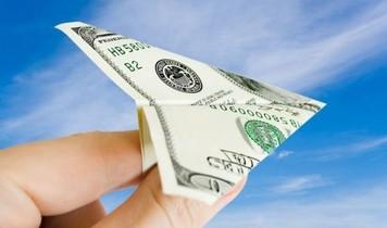 Грошові перекази: євро проти долара. Що надійніше?